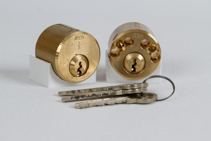 Fast high security lock assistance from skilled technicians