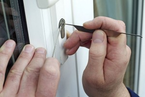 Is lockpicking legal in the UK